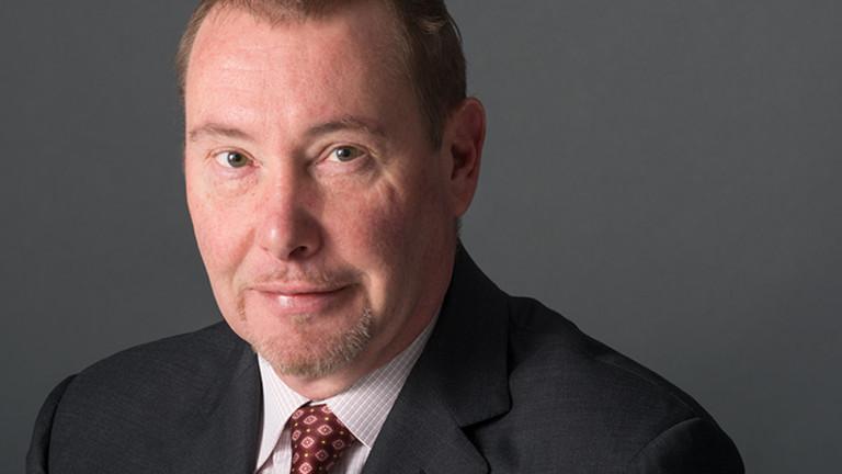 Кралят на облигациите Джефри Гъндлах отпразнува 10 години на своя