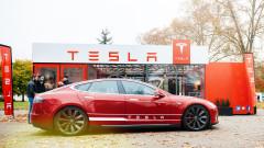 """Двама души загинаха при катастрофа на """"Тесла"""" в Тексас без шофьор"""