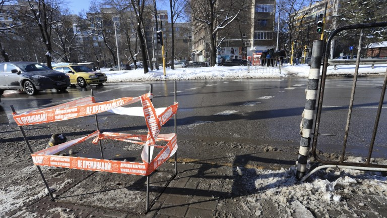 Еленко Божков иска три оставки в София за загиналото от токов удар момче