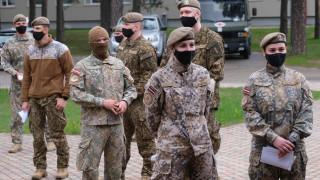 Латвия следва Литва и праща военни да пазят границата от мигранти