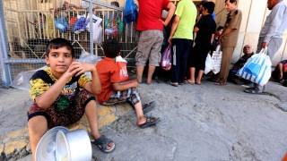 Масово хранително натравяне, двама загинали в лагер за разселени край Мосул
