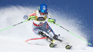 Микаела Шифрин поведе след първия манш в слалома на световното първенство