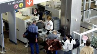 Затягат мерките за сигурност в полетите до САЩ