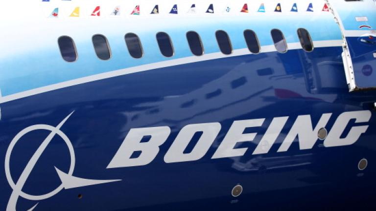 Трудности с най-големия самолетен двигател в света може да провалят мегасделка на Boeing