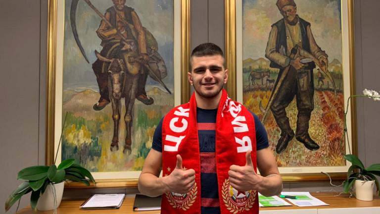 Стойчо Атанасов от ЦСКА преподписа за още 3 години
