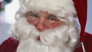 Дядо Коледа носи по 150 лв. на всеки пенсионер