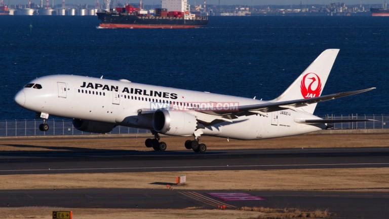 Боинг 777 кацна аварийно в Токио
