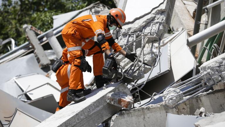 Пет земетресения в Индонезия тази нощ