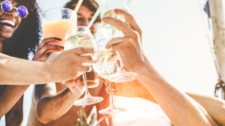 Три коктейла, които задължително да опитаме това лято