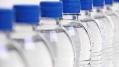 Не трябва да пием вода от една и съща бутилка, защото...