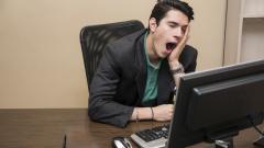 Повече от половината българи ходят изморени на работа