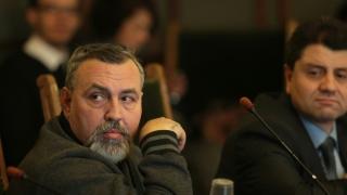 Христо Мутафчиев обиден на Вежди Рашидов, настройвал изкуствата едно срещу друго