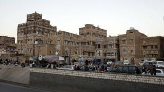 111 души са загинали при ракетна атака на хусите в Йемен