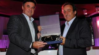 Отлагат изборите за нов президент на УЕФА