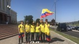 Фенове на Колумбия вкараха твърд алкохол на стадиона, вижте как (ВИДЕО)