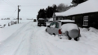 Тунис връхлетян от сняг и студ
