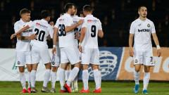 Забраниха медийните изяви на футболисти и треньори в Славия, закриха и тренировките