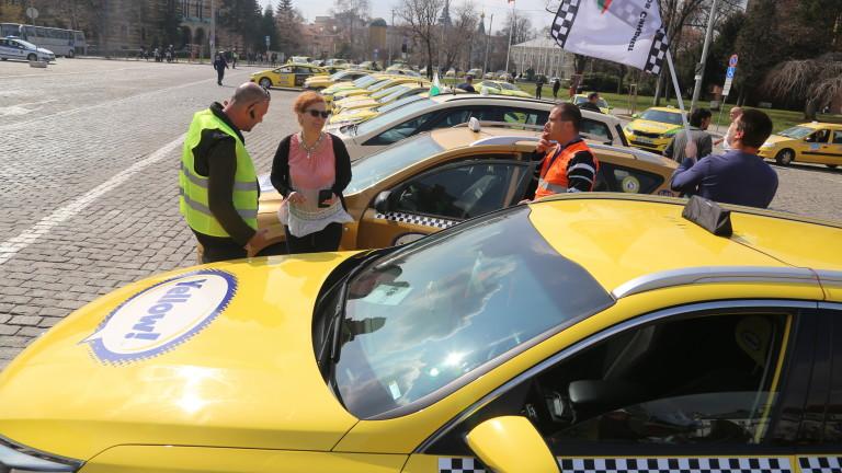 Засилени проверки за нередовни таксита в Русе
