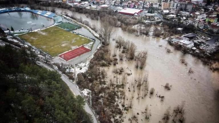 Положението със стадиона в Своге става все по-критично