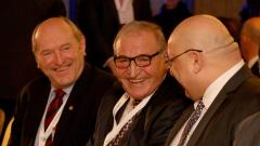 Човек на Боби до Меркел и Инфантино, Германия помага на футбола ни