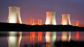 Индия строи 10 нови ядрени реактора
