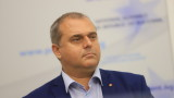 Искрен Веселинов не иска да прави Конституция на инат