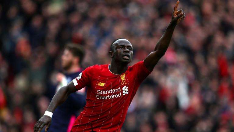 Защо футболист строи болница в Сенегал
