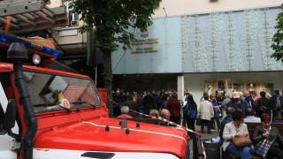 Стотици членове на СИК чакат да предадат протоколите си