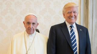 Папата зове за диалог, уважение и признаване правата на всички хора в Светите земи