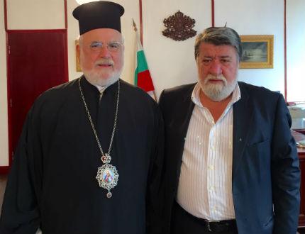 """Рашидов и епископ Тихон обсъдиха ремонта на  """"Св. Александър Невски"""""""