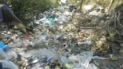 Плаващи сметища с тонове боклук задръстват река Места