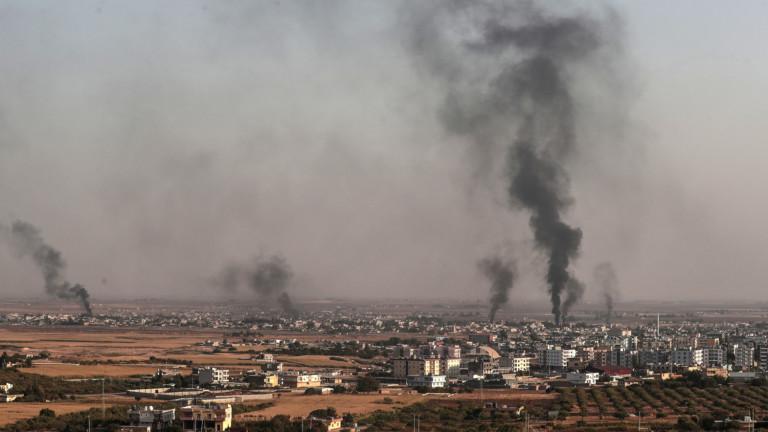 Четирима цивилни, включително бебе, са убити, а други 70 са