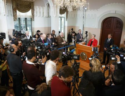 Квартетът за национален диалог в Тунис печели Нобела за мир за 2015 г.