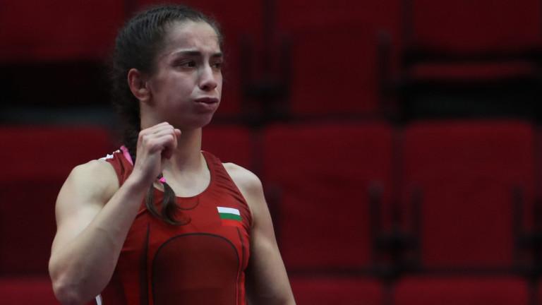 Миглена Селишка ще се бори утре за златото в категория до 50 кг