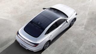 Hyundai показа първата си хибридна соларна Sonata