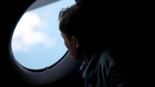 Намериха отломки от изчезналия самолет на EgyptAir в Средиземно море