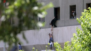 """Петима от терористите от Техеран били част от """"Ислямска държава"""""""