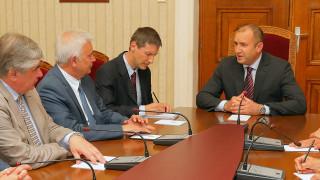 """Президентът Радев се срещна с шефовете на """"Лукойл"""""""