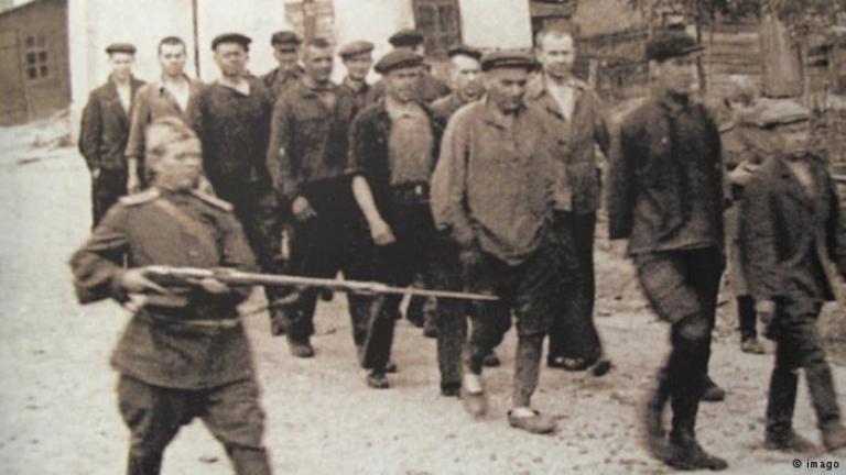 Руски учен, разследвал престъпленията на Сталин, е осъден на 9 г. затвор за педофилия