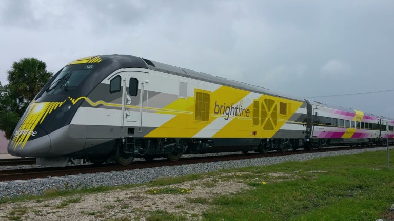 Нов експресен влак, който скоро ще стартира във Флорида, ще