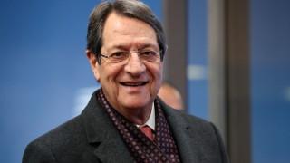 Президентът на Кипър предложи лятната си резиденция за изолирани за коронавирус