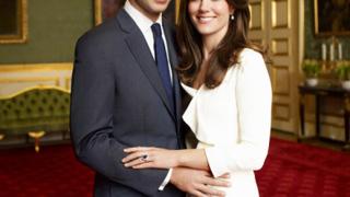 Кейт Мидълтън се жени с две рокли