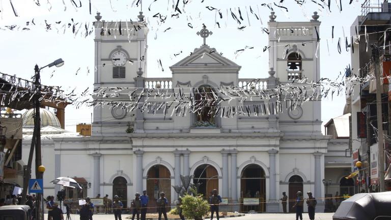 Снимка: 39 чуждестранни туристи са загинали при нападенията в Шри Ланка
