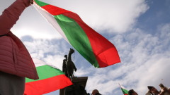 С молебен и издигане на националния флаг отбелязваме Трети март