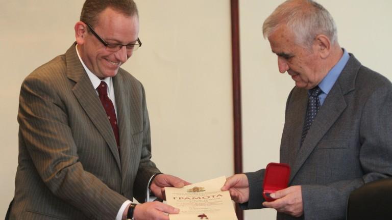 Петър Стоянович: Северна Македония е случайно създадена държава, нация и език