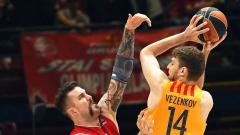 Андора удари на камък с Александър Везенков