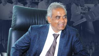 Най-щедрият шеф в света е индиец, който подарява коли и къщи на служителите си