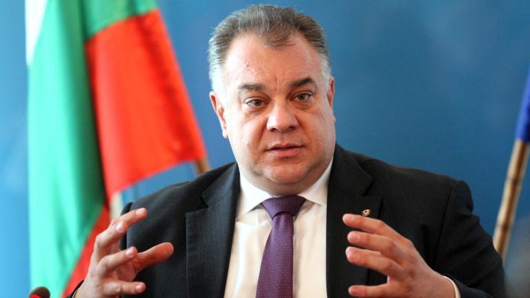 Много хора са яхнали здравната система, притеснен Мирослав Ненков