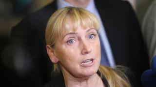 Йончева: БСП излезе от парламента, за да не влязат хората