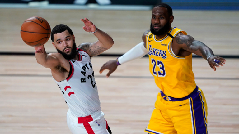 Торонто с 11-а поредна победа над ЛА Лейкърс